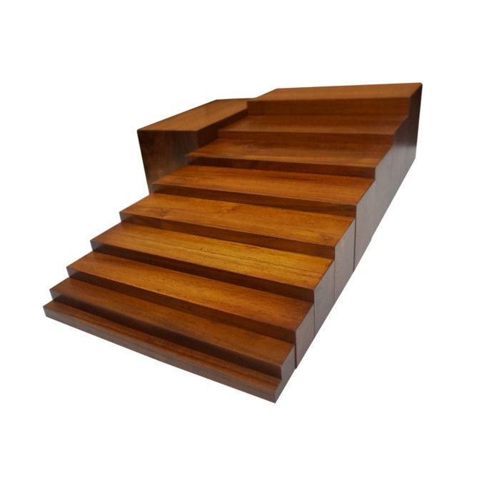 Học cụ montessori thang nâu đánh bóng
